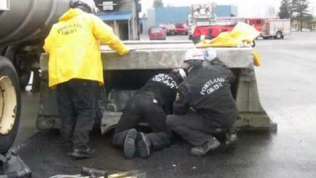 Portland Fire & Rescue - Training & Safety - Urban Search & Rescue (USAR) Drill - 021110.wmv
